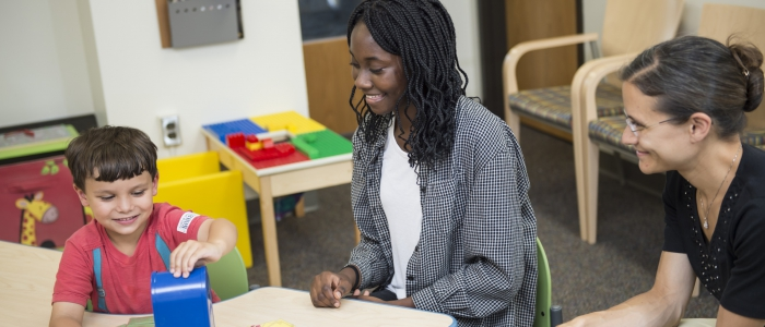 Adwoa Imbeah and her mentor Melissa Libertus conduct psychology research in the Kids' Thinking Lab.