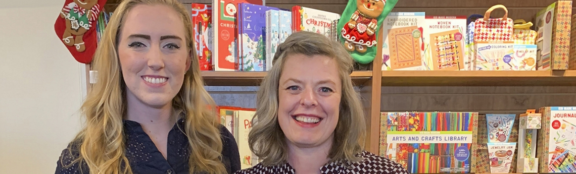 Rachael Lippincott (A&S '17) credits her mentor, Siobhan Vivian (right), for providing her with the guidance and resources to achieve New York Times best-selling fame